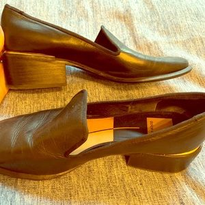 Great condition loafer!